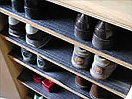 下駄箱、本棚、食器棚に備長炭シート